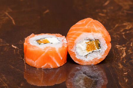 Ролл Филадельфия маки с апельсином