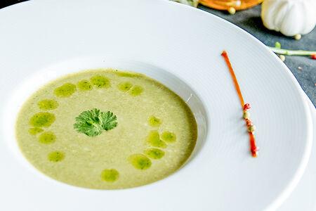 Крем-суп из шпината с гренками