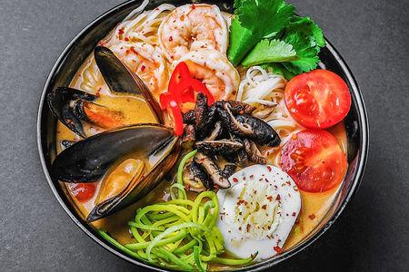 Суп Рамен Том ям с морепродуктами