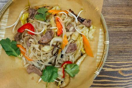 Рисовая лапша с говядиной Фо Сао Бо