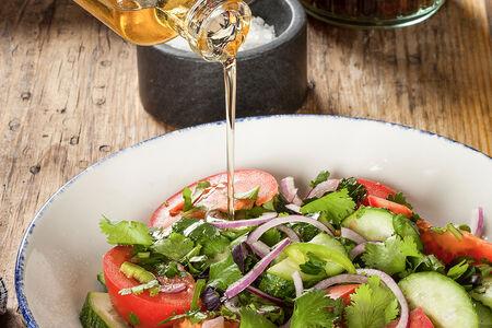 Овощной салат по-грузински с зеленью