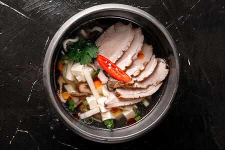 Утиный суп с лапшой и шпинатом