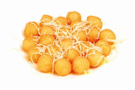 Картофельные шарики под сыром