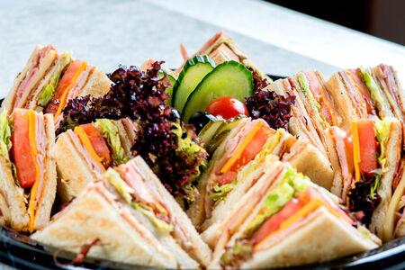 Клаб-сэндвич на компанию