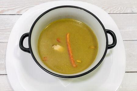 Острый суп Зеленый тайский карри