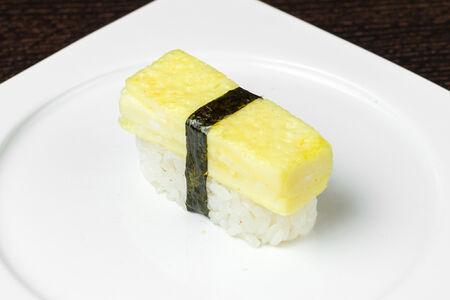 Суши Нигири Томаго