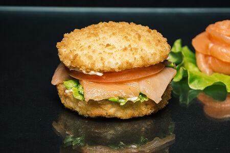 Сушибургер с лососем