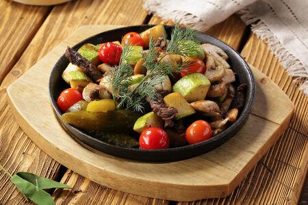 Жареха с вырезкой говяжьей и овощами