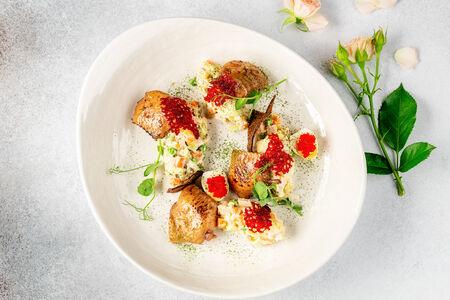 Салат Русский с домашним соусом