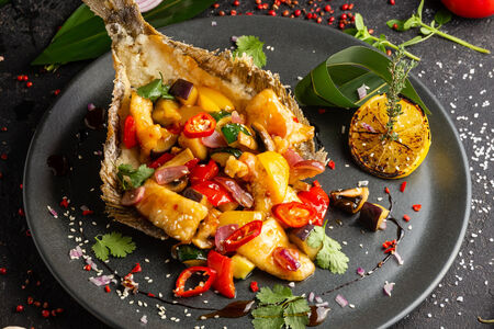 Камбала с овощами в азиатском стиле