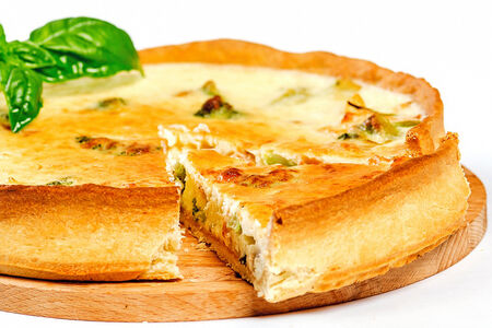 Французский киш лорен с семгой и картофелем