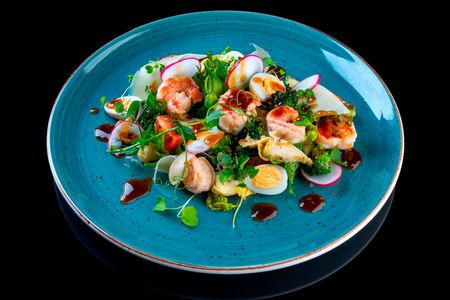 Салат с артишоками и перепелиными яйцами