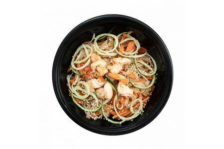 Рисовая лапша Фо с креветкой и овощами