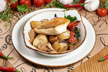 Судак запеченный со шпинатом и грибами