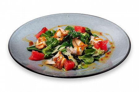 Тайский салат Свит чили с угрем