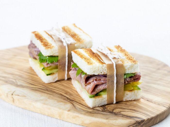 Мини-сэндвичи с ростбифом