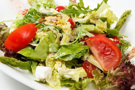 Салат с телятиной в соусе из тунца