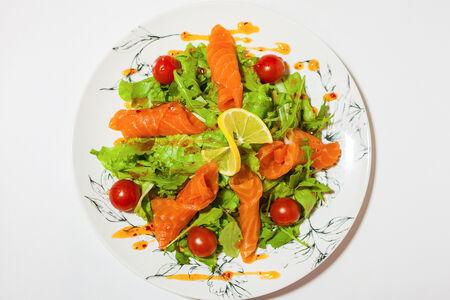 Салат Лосось с микс-салатом