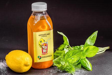 Освежающий черный чай с лимоном