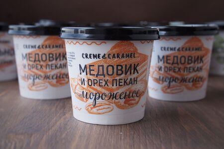Мороженое Медовик-пекан