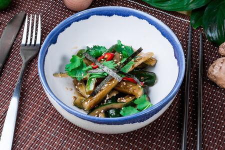 Салат Битые огурцы бабушки Лао
