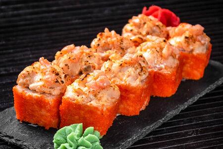 Запечённый сырный ролл с копченым лососем