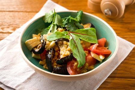 Салат с баклажаном и сулугуни