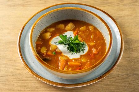 Суп Гуляш с печеным картофелем стоун