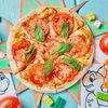 Фото к позиции меню Пицца с помидорами и базиликом Леонардо