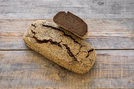 Хлеб Ржаной тёмный с кунжутом