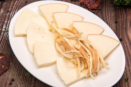Ассорти из сыра