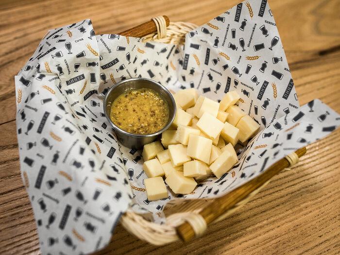 Сыр с горчицей