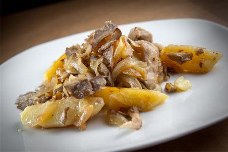 Картофель, жаренный с грибами