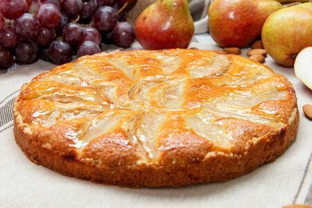 Пирог с грушей и франжипаном