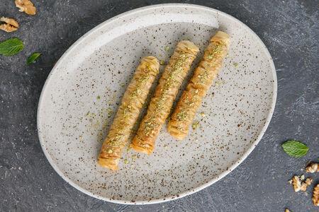 Десерт Турецкая пахлава с фисташками