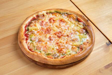 Пицца Креветки с ананасом