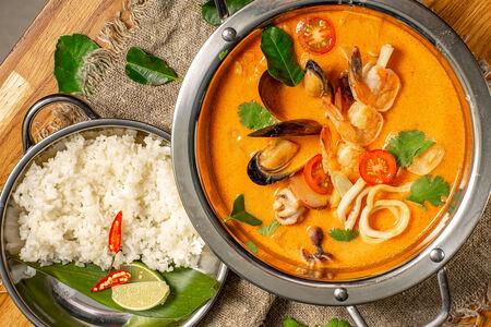 Суп Том ям Южный Тайланд с морепродуктами