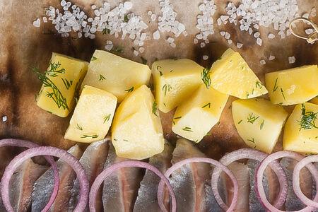 Сельдь с картошкой
