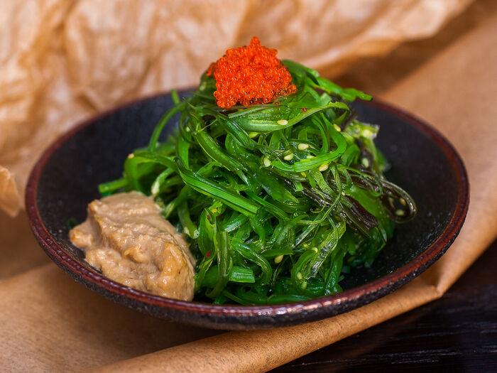 Салат вакамэ сарада