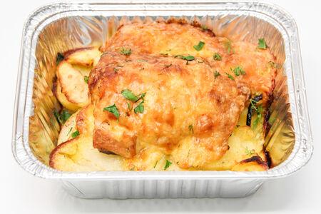 Запеченная с картофелем горбуша