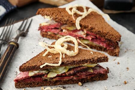 Cэндвич с пастрами