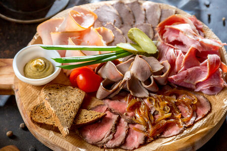 Мясные деликатесы из нашей коптильни