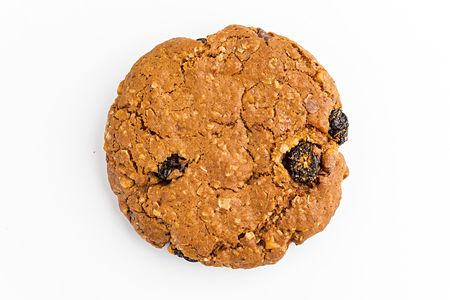 Овсяное печенье с изюмом и грецким орехом