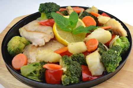 Филе Морского окуня с овощами