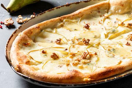 Пицца Груша с горгондзолой