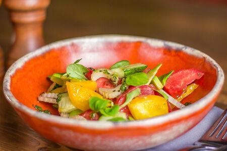 Салат овощной с корном