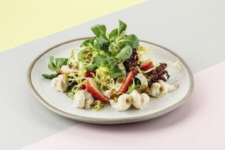 Детокс салат с креветками