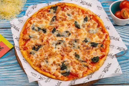 Пицца с курицей и шпинатом
