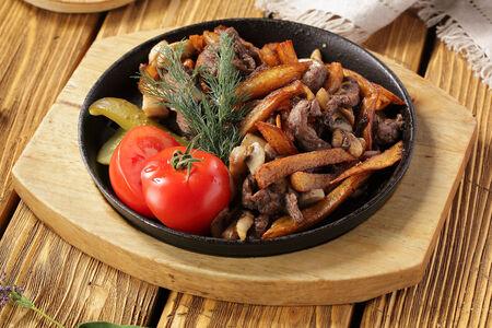 Жареха с говядиной и грибами