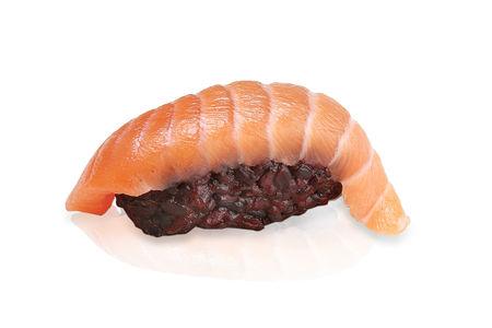 Суши черный рис лосось